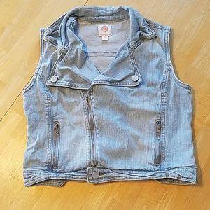 Jean vest kids size XL 14/16